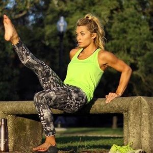 Ellie Black + White / / Active Workout Pants